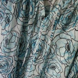 Motherhood Maternity Tops - 💙 { MOTHERHOOD MATERNITY }   Floral Blouse